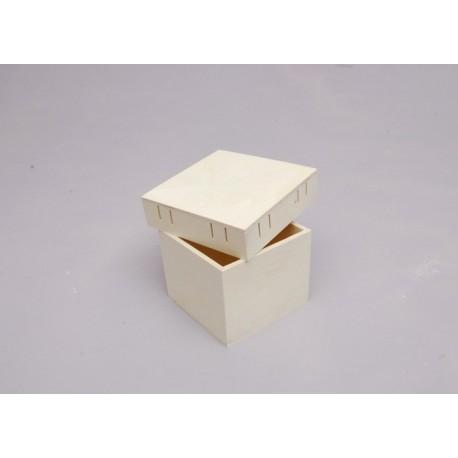 BOX 9.5X9.5X7X0.4CM